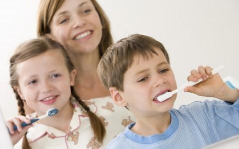 brush-kids-teeth-2